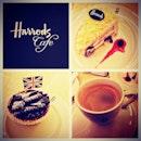 Came across Harrods Cafe #teatime#harrodscafe#whiteforest#cake#fancy#cupcake#blueberry#syrup#sugar#icing#dark#chocolate#instadessert#instafood#foodporn#foodpic#pic#potd#photoadayferbruary#malaysia#klcc#igfame#iphone5s