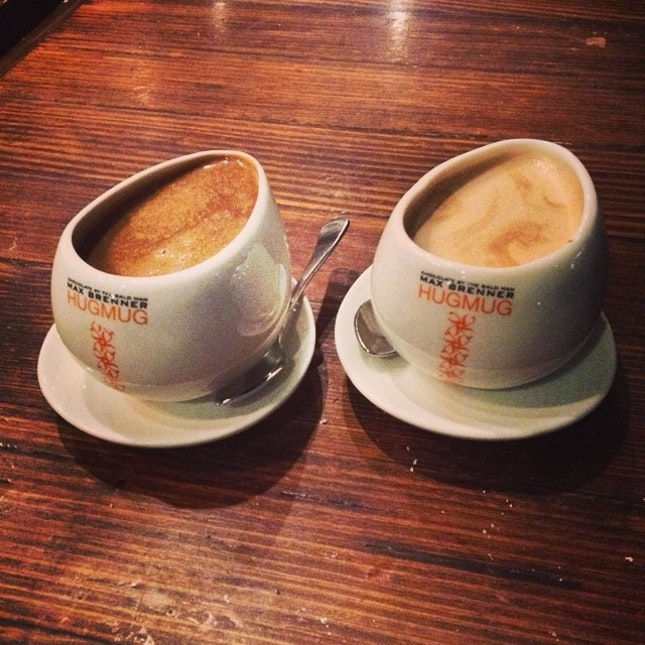 Having warm cup of chocolate #coconut#Italian#chocolate#warm#cup#hugmug#maxbrenner#chocolatebar#instatag#instapic#instafood#instachoco#photoadayjune#aussie#i_was_there