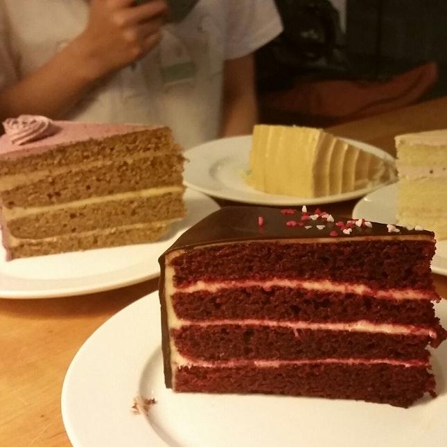 Red Velvet + Earl Grey Cakes