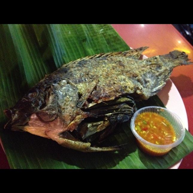 BBQ fish with garlic chilli (THB150)