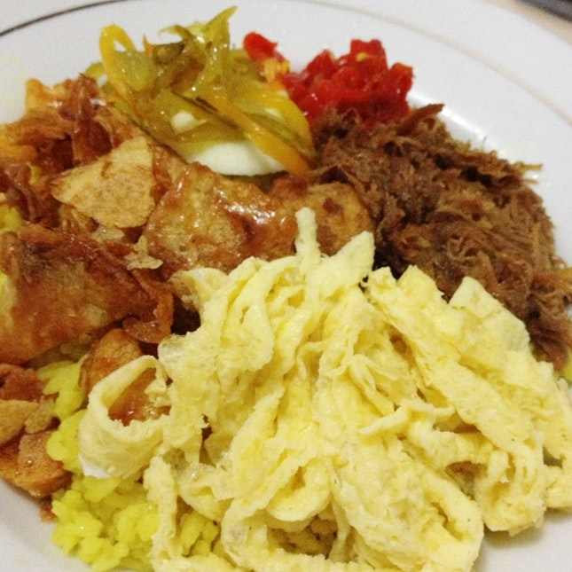 12 Makanan Khas Semarang & Lokasi Untuk Mencobanya