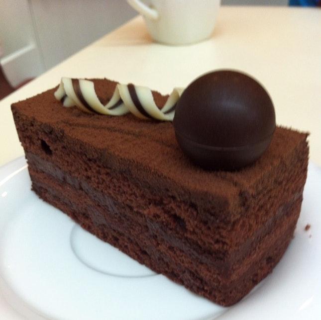 What Is Dark Chocolate Raspberry Truffle Cake With Buttercream