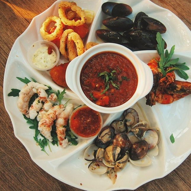 This glorious seafood platter was ours for the taking during today's #sugarrush at #coastes.
