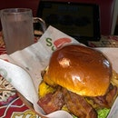 Ordered for $9.88+ #SouthernSmokehouseBurger as my late #lunch.