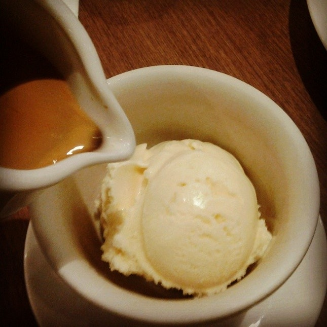 Affogato with Illy #vanilla #coffee #espresso #affogato