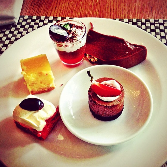 Sweets and cakes 😋 :P #sweets #cakes #pastry #dessert