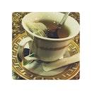 一个人 一杯茶🍵 #alone #tea #like #love #nice #waiting #later #dance #holiday #monday #301213 #december #2013 #life #txliow