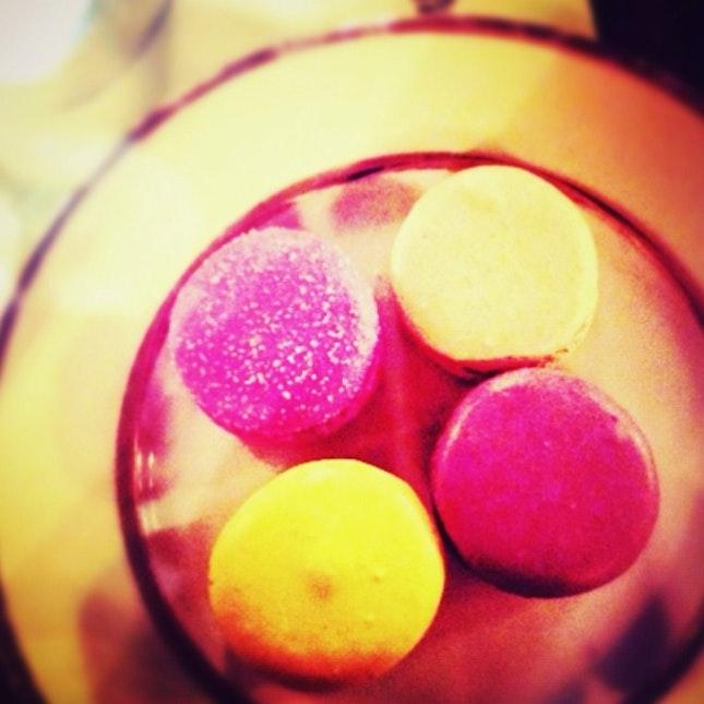 Strawberry with Marshmallow, Vanilla, Lemon, Black Kurant